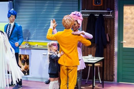 hr_hallo familie_ maas theater en dans ©kamerich & budwilowitz - eyes2 (8)